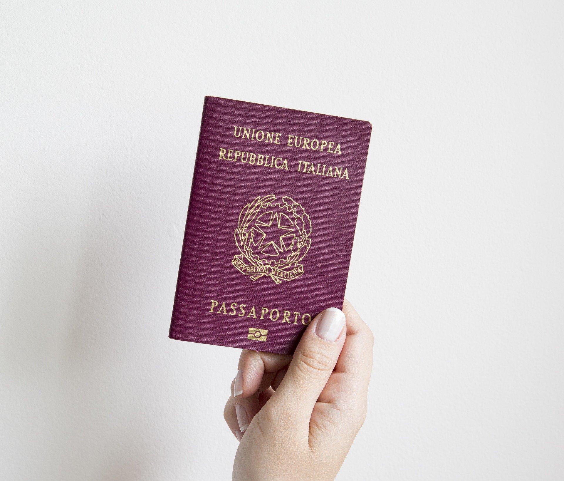 Lo studio legale acp spiega come ottenere la cittadinanza italiana