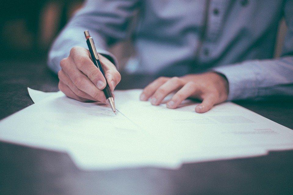 Dichiarazione mendace e rischio di licenziamento: sentenza Cassazione. Tema trattato dallo studio legale acp di Palermo
