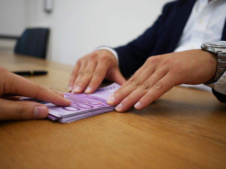 Lo studio acp parla del tema di disoccupzione volontaria e revoca dell'assegno divorzile