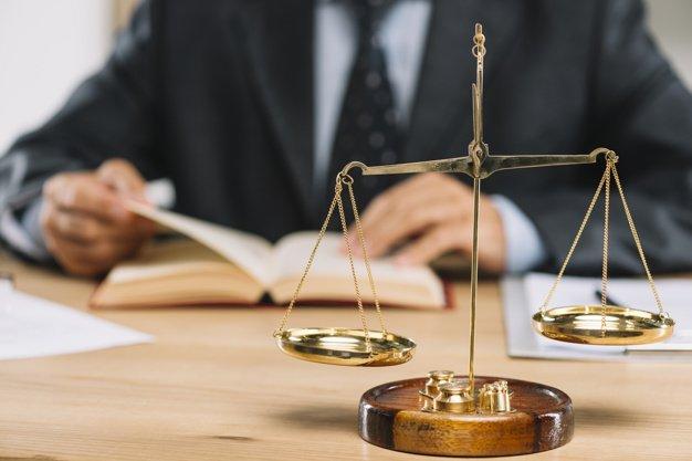 Lo studio legale acp, riguardo le cartelle esattoriali per un' azienda, risponde alla domanda: la responsabilità è del consulente fiscale?