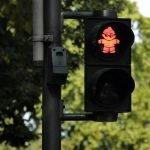Attraversare con il semaforo rosso: condanna per violazione del codice stradale? Il caso descritto dallo studio legale acp