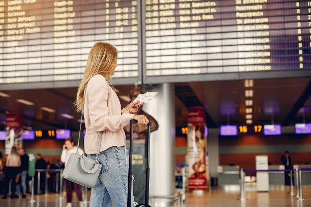 Come recuperare i soldi spesi per il biglietto aereo? Risponde lo studio legale acp
