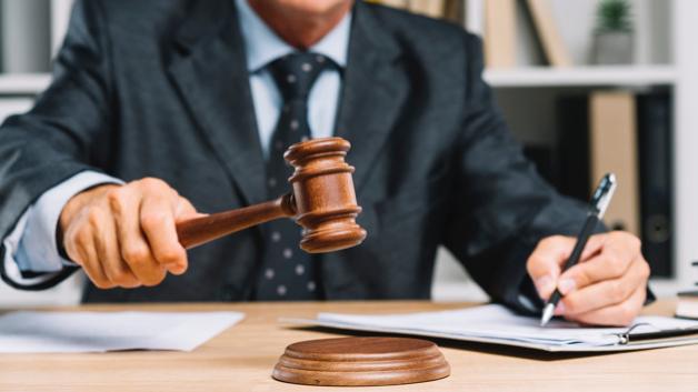 Incidente con macchina altrui: diritto al risarcimento del danno? Avvocato