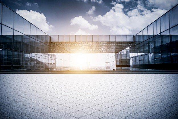 Lastrico solare di proprietà esclusiva: diritto all'uso dello spazio sovrastante? Risponde lo studio legale acp