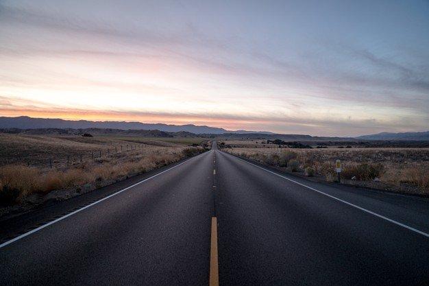 Buca sul manto stradale visibile: diritto al risarcimento danni per l'automobilista? Studio legale acp