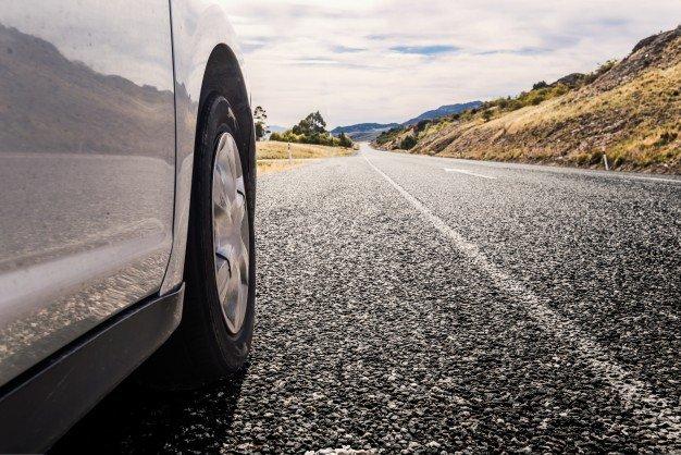 ncidente per buca stradale visibile: la responsabilità è solo del conducente del veicolo? Studio legale acp