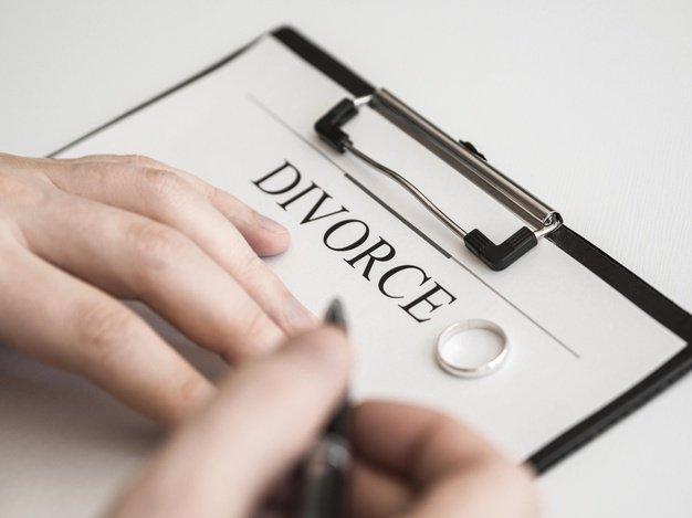 Separazione per tradimento: il coniuge ha diritto al risarcimento dei danni morali? Studio legale acp