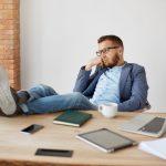 Dirigente inoperoso senza incarichi effettivi: azienda condannata? Studio legale acp